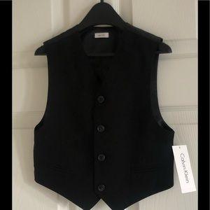 Boys black suit vest Calvin Klein size 6